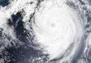 El Tifón Nangka al sur de Japón