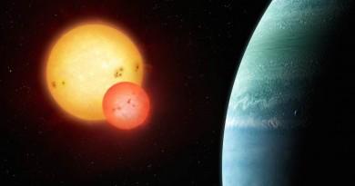 Astrónomos descubren un planeta orbitando dos estrellas