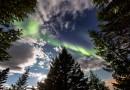 Auroras boreales y la Luna desde Islandia
