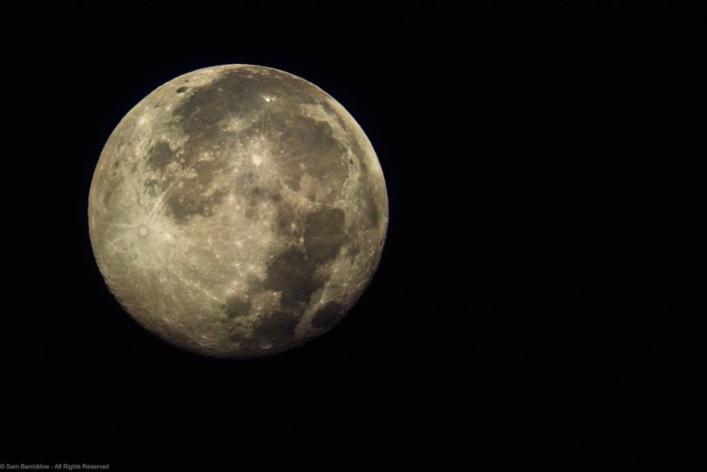 Sam-Barricklow-20150801_Blue_Moon-300-2_1438516005