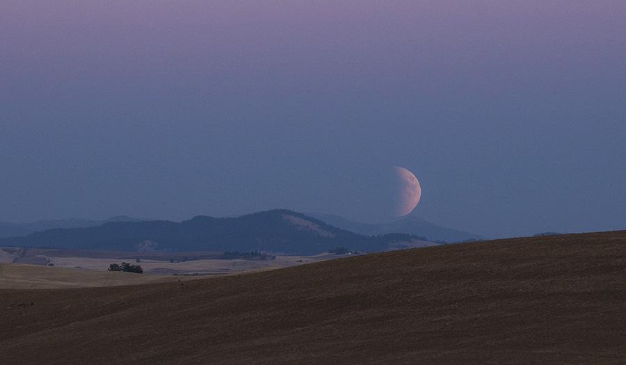 Michael-Ohlson-DSC6594-moon-rise_1443423421