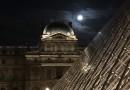 La Luna desde el Museo del Louvre (París, Francia)