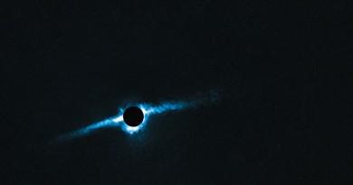 Primeras imágenes de un sistema planetario circumbinario con un disco de escombros