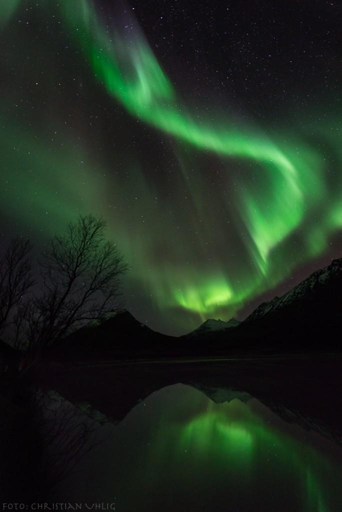 Christian-Uhlig-Aurora-reflection-1-of-1_1445617163