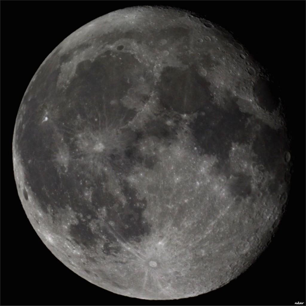 Nikos-Karaiskos-moon_29_09_15_1443739658