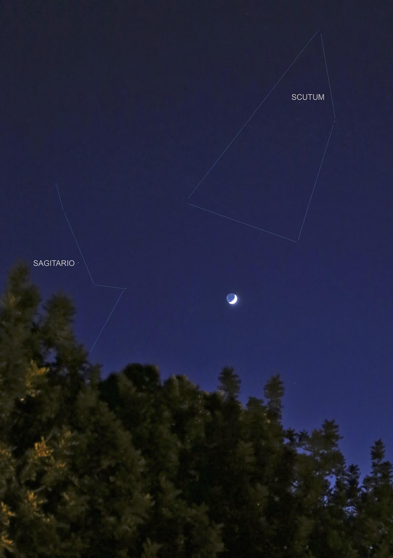 La luna creciente desde barcelona catalu a espa a el for Proxima luna creciente
