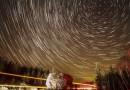 Foto de rastros de estrellas en Ontario, Canadá