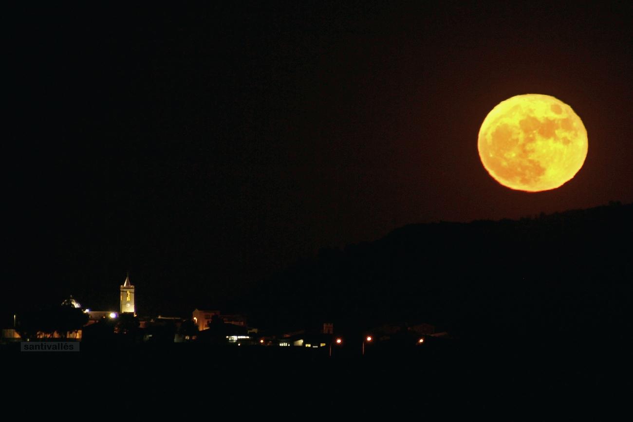 La salida de la luna desde alicante espa a el universo hoy for Calendario lunar de hoy