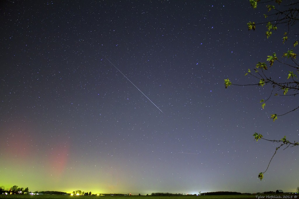 Tyler-Hofelich-meteorandauroralow_1446698504