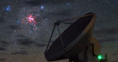Nacimiento de estrellas sobre el Observatorio ALMA