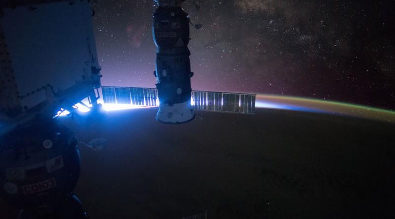 La Vía Láctea al amanecer desde la Estación Espacial Internacional