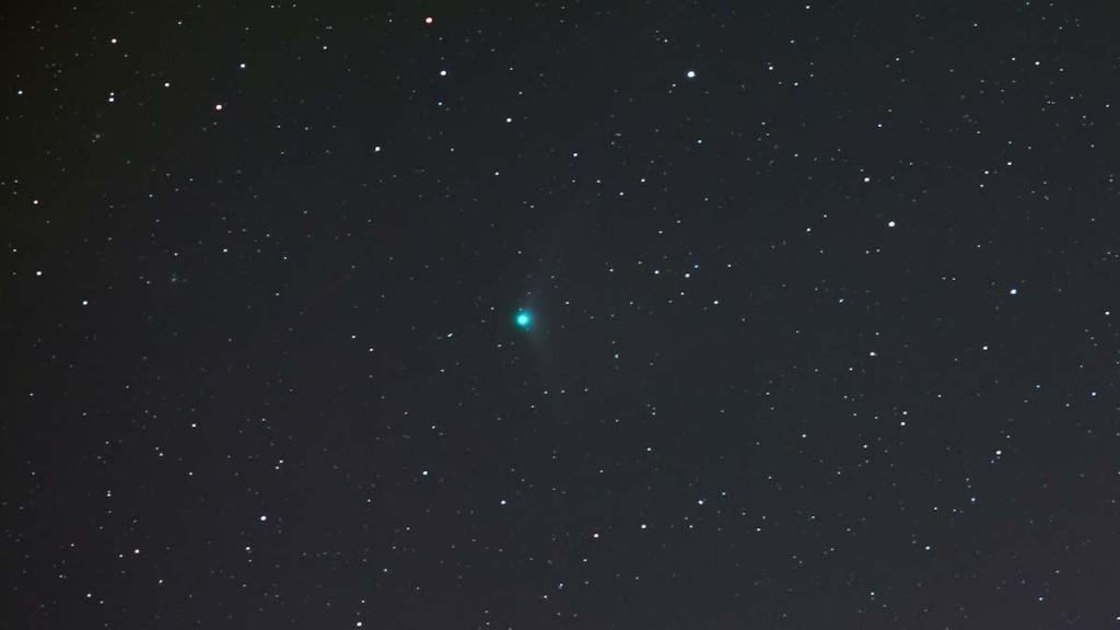 Marion-Haligowski-Comet-Catalina-C2013US10-121915-22x20-sec-web_1450576723