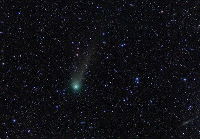 El Cometa C/2013 US10 Catalina y la galaxia espiral NGC 1560