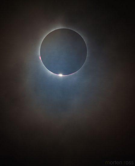 Foto del eclipse total de Sol desde Indonesia