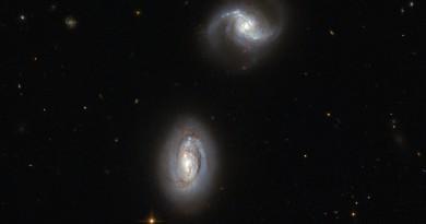 MRK 1034: las galaxias gemelas de la constelación del Triángulo