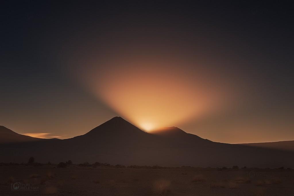 Yuri-Beletsky-volcano_sun_beletsky_1463460258