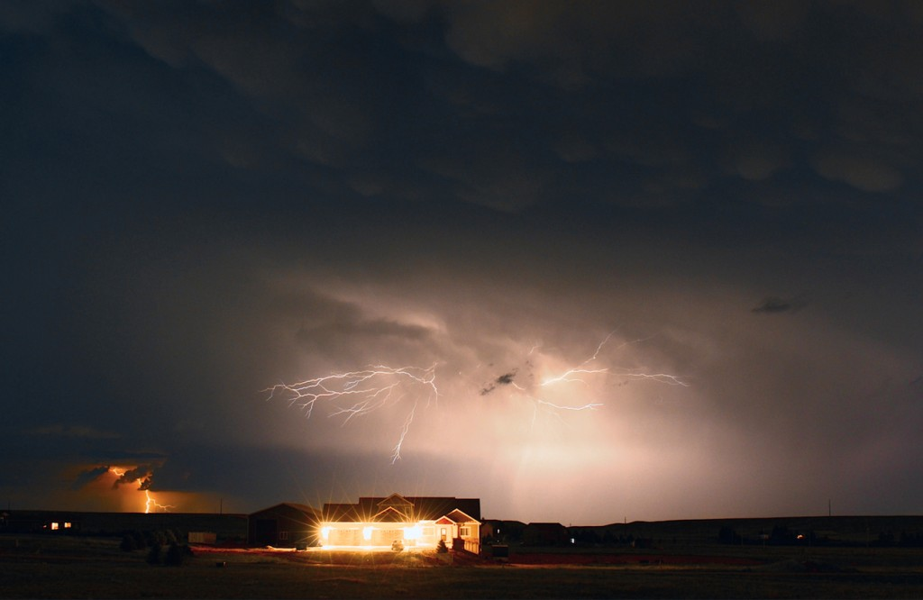 Jan-Curtis-Lightning_Mammatus_s_1465697936