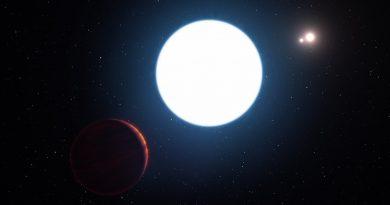 Un sorprendente exoplaneta con tres soles