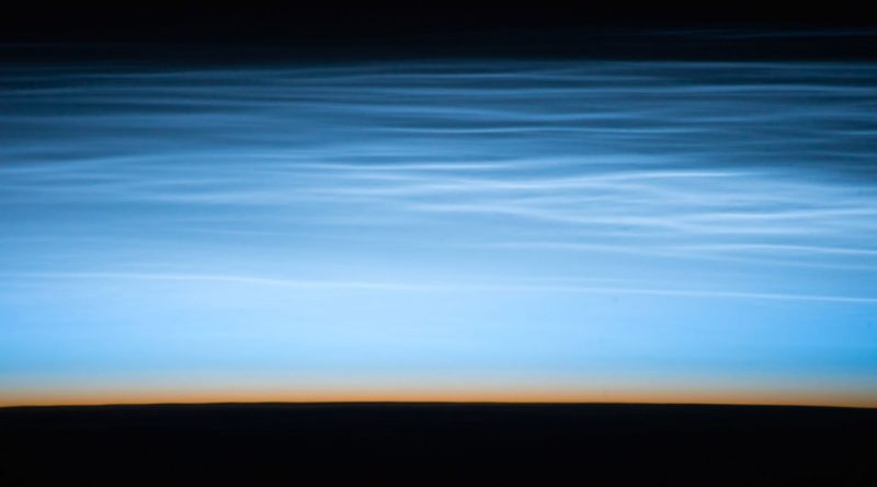 Nubes noctilucentes desde la Estación Espacial Internacional