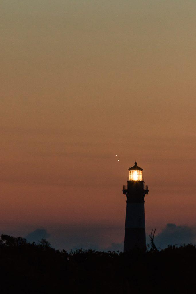 Kurt-Fanus-Venus-and-Jupiter-Setting-Over-The-Bodie-Lighthouse_1472518732