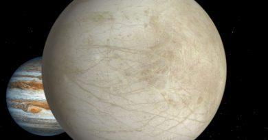 El Hubble detecta posibles géiseres en la luna Europa