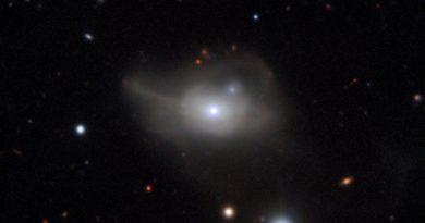 Un hambriento agujero negro devuelve a una galaxia a la oscuridad