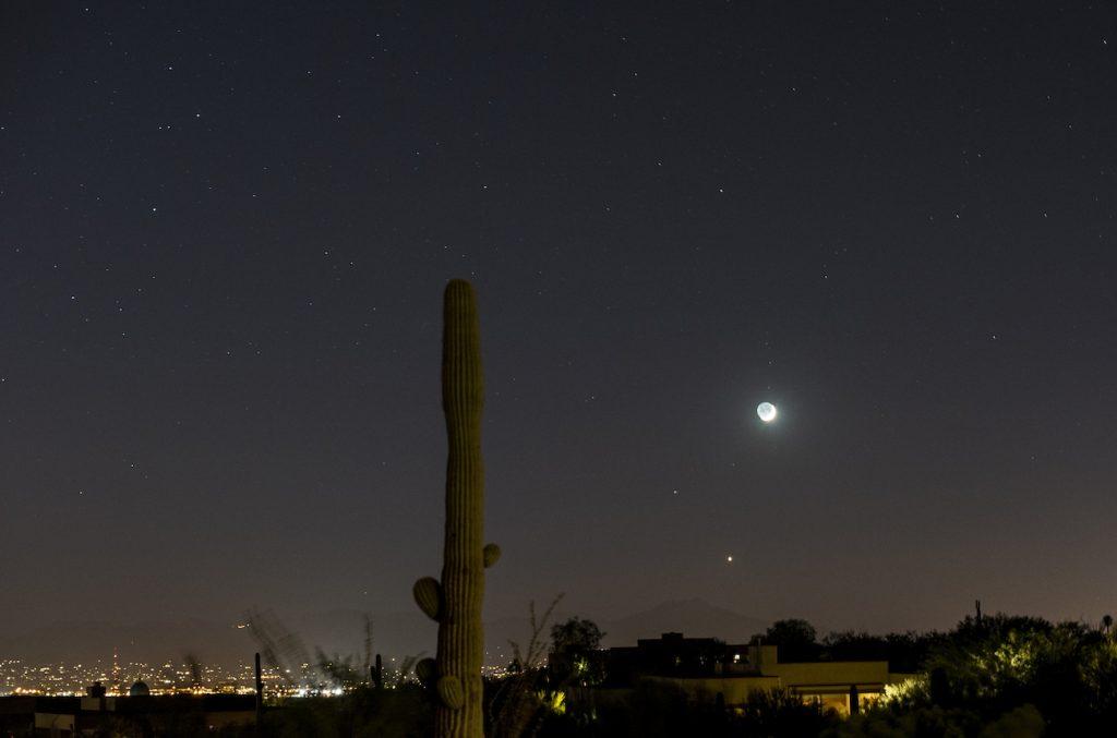 Eliot-Herman-Moon-and-Venus-over-Tucson_1475555819