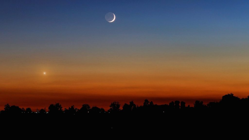 Enrico-Finotto-New_Venus---Moon.001_1475537200