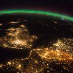 Auroras boreales, París, el Reino Unido y Países Bajos desde la ISS