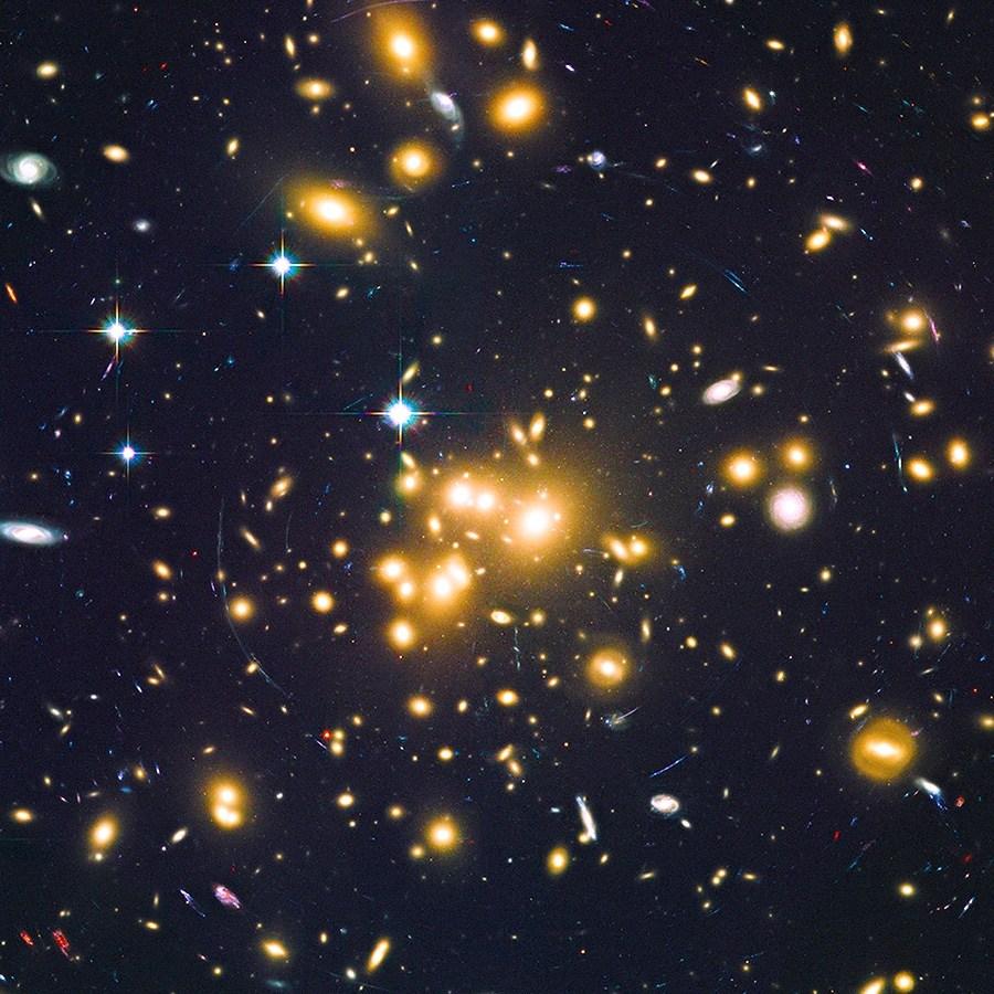 Descubren un gran número de galaxias enanas en el universo temprano