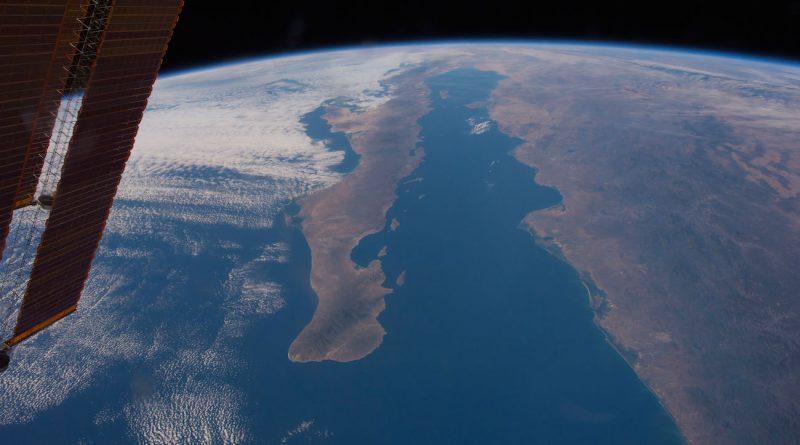 La península de Baja California y el mar de Cortés (México), desde la ISS