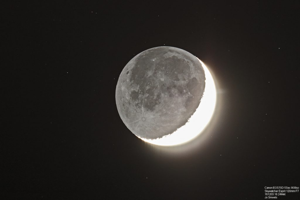 smeets-moon-earthshine161203-_1480801956