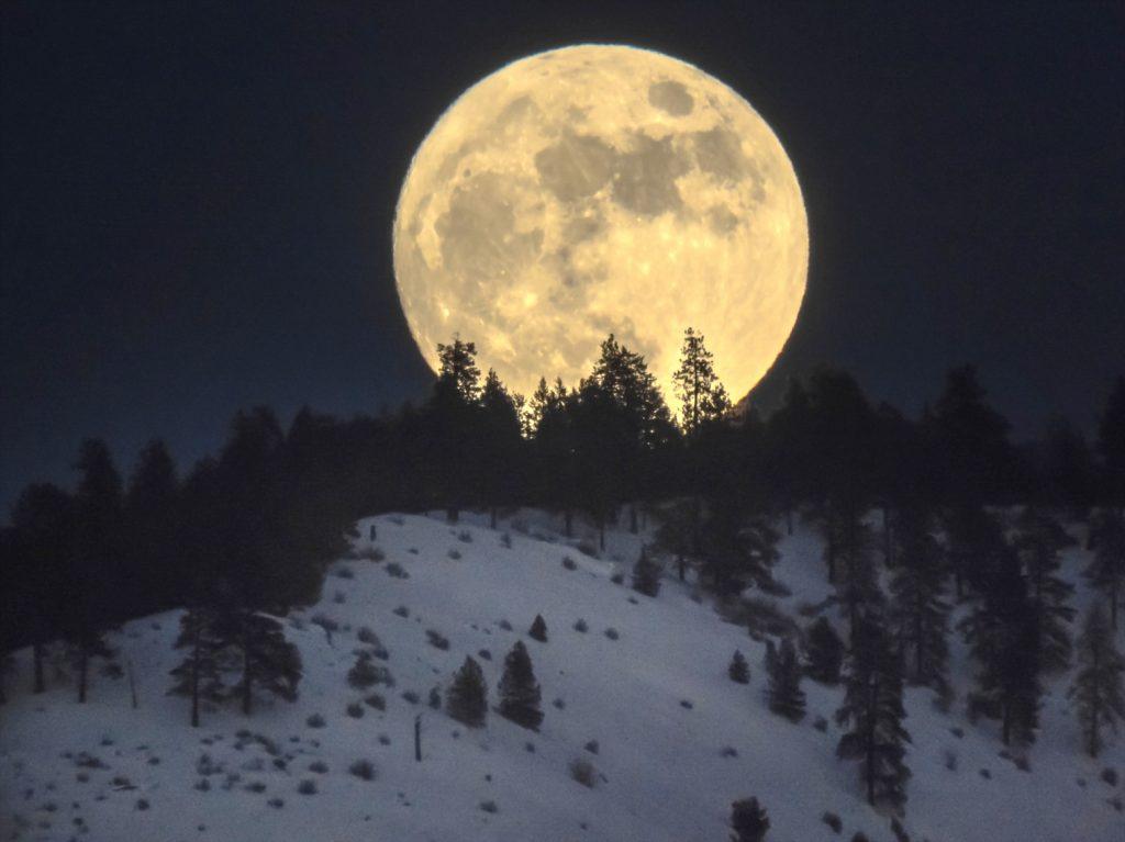 rocky-raybell-full-moon-january-11-2017-086-rsup_1484291584
