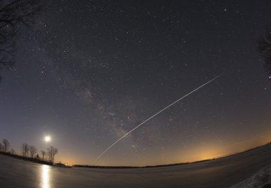 La Vía Láctea y el paso de la ISS desde Ontario, Canadá