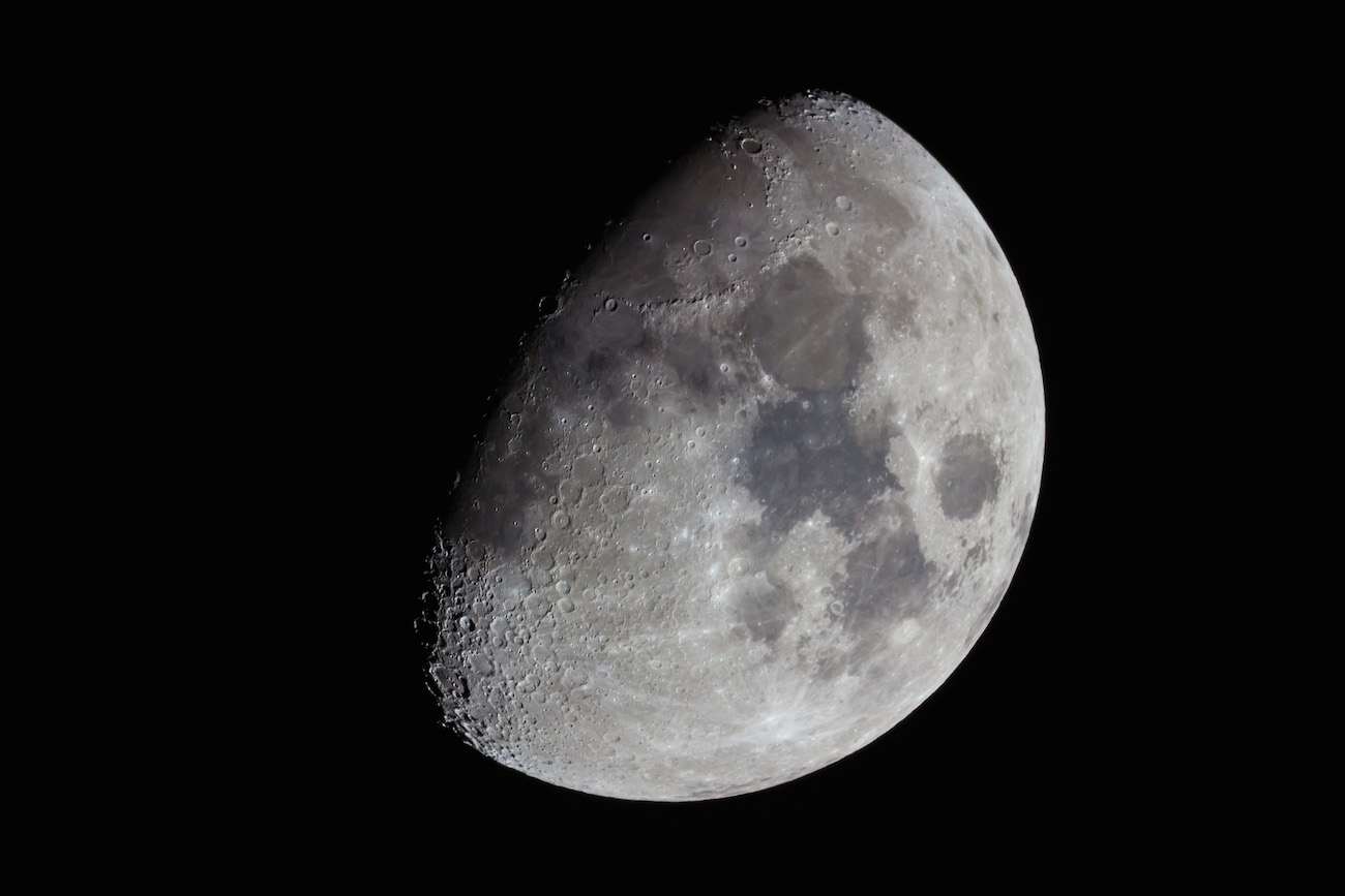 Foto de la luna gibosa creciente desde italia el for Proxima luna creciente