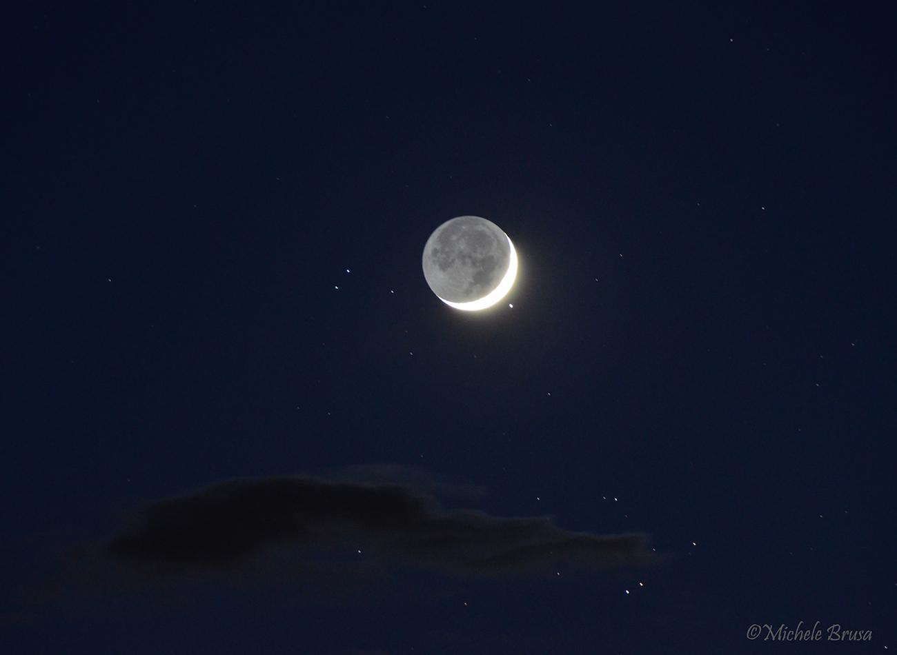 Foto de la luna y aldebar n desde italia el universo hoy for Proxima luna creciente