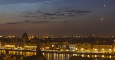 La conjunción de la Luna y Venus sobre Budapest, Hungría