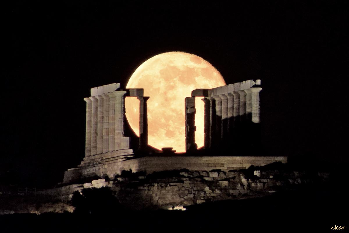 La Luna y el Templo de Poseidón (Cabo Sunión, Grecia)