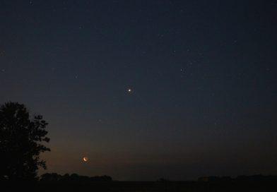 La Luna, Venus y Aldebarán desde Nueva York, Estados Unidos