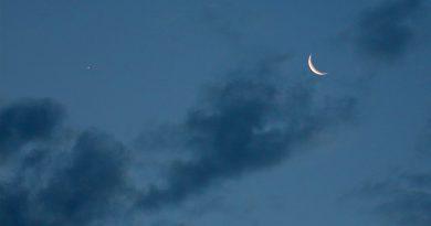 La Luna y Venus al amanecer en Arenys de Munt, Barcelona (España)