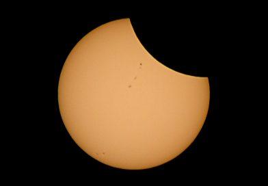 Imagen del eclipse solar, fase parcial, desde Washington, EE. UU.