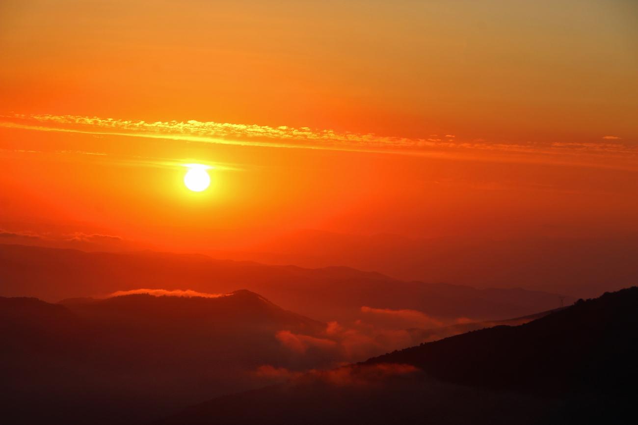 la puesta de sol desde el montseny barcelona espa a el On puesta de sol madrid hoy