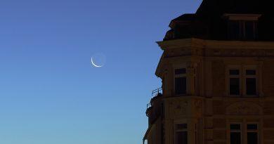 La Luna menguante desde Stuttgart, Alemania