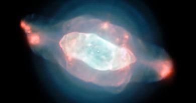 Las extrañas estructuras de la nebulosa Saturno