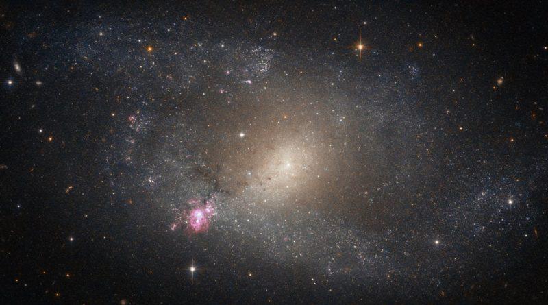 La solitaria región formadora de estrellas de la galaxia NGC 5398