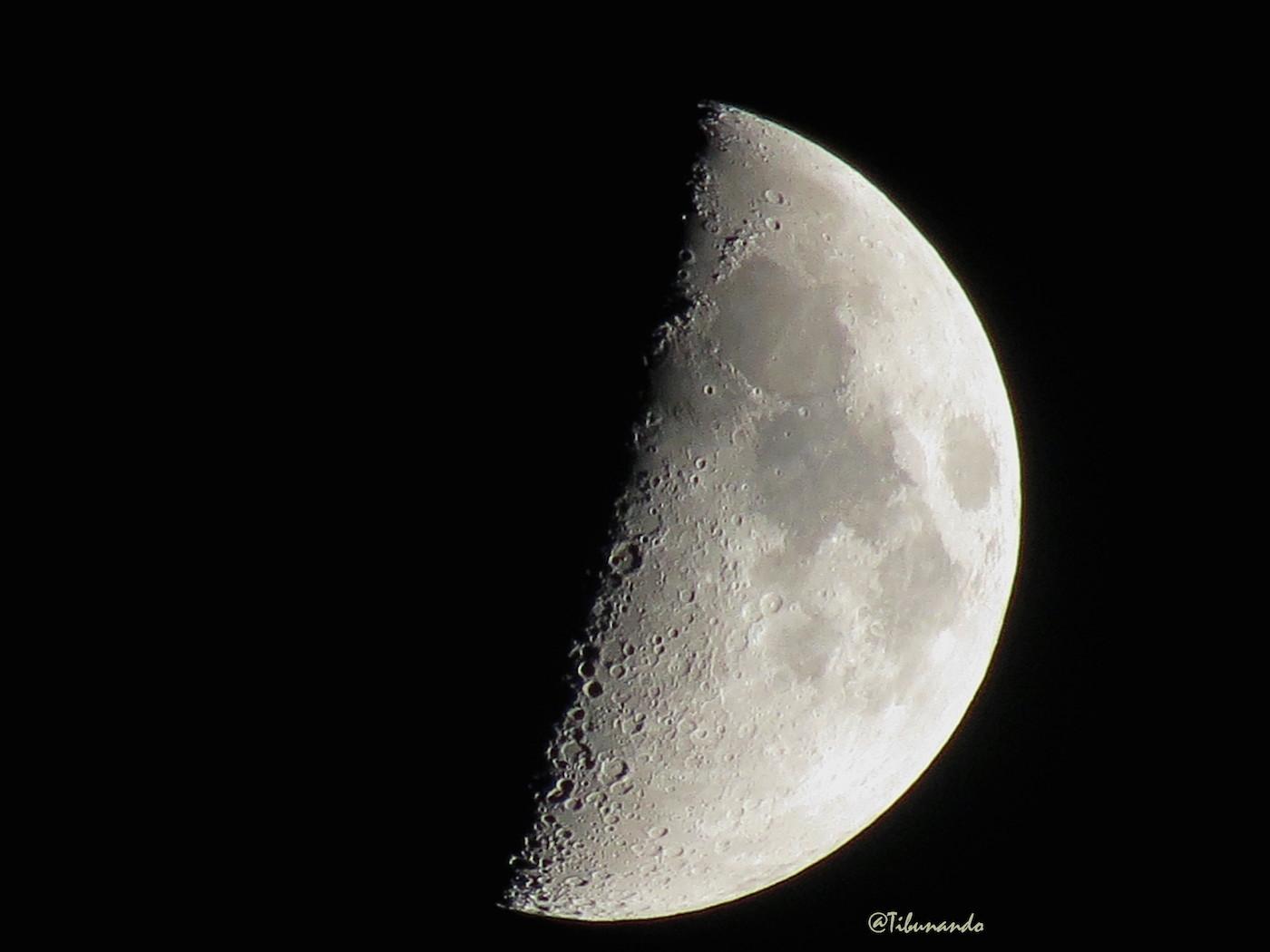 """La Luna y la """"X lunar"""" desde Caracas, Venezuela – El Universo Hoy"""
