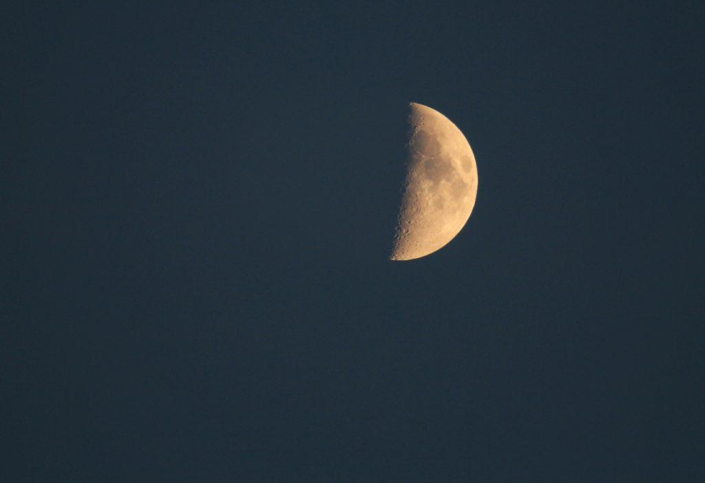 La Luna desde Arenys de Munt, Barcelona - El Universo Hoy