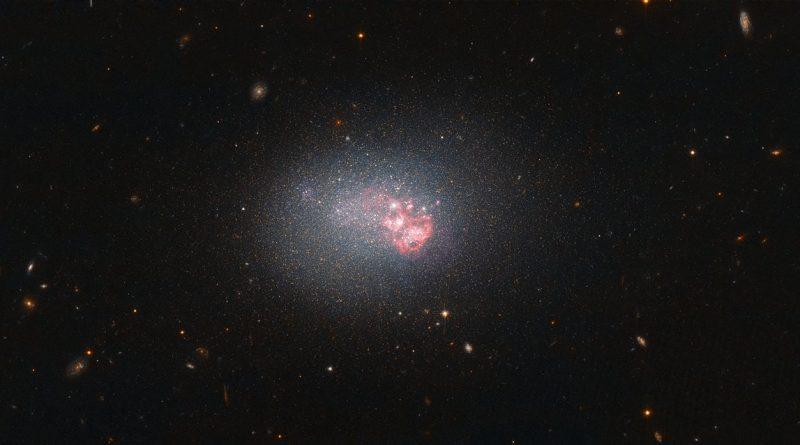 Una galaxia diminuta con una formidable capacidad para producir estrellas