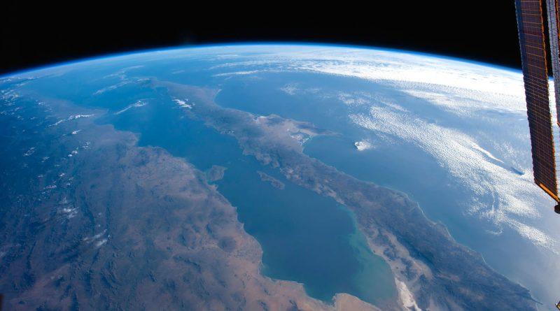 La península de Baja California y el mar de Cortés desde la ISS