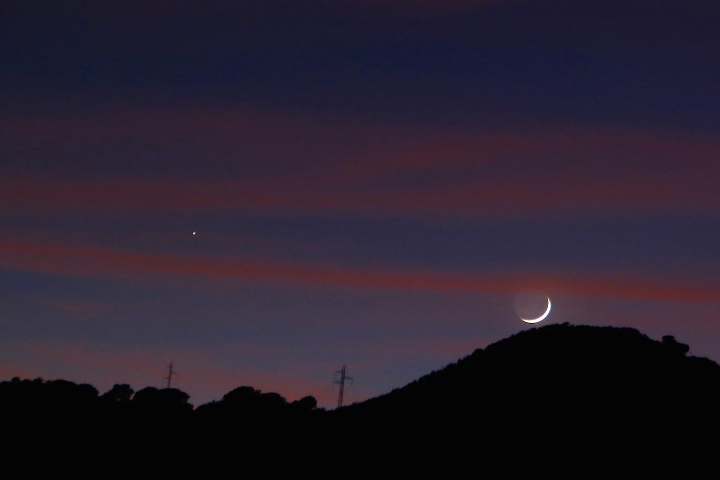 La luna y saturno desde arenys de munt barcelona el for Proxima luna creciente